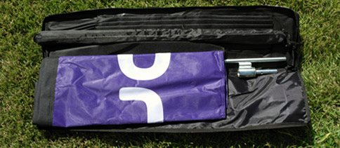 Open flag banner travel case